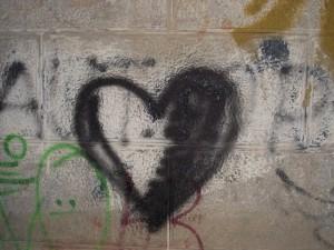 cœur grafiti  Exposition K Love Karim TATAI Strasbourg
