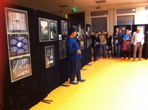 vernissage exposition autiste-artiste Karim TATAI au collège d'Oswald